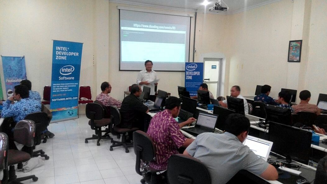 Workshop Komunitas Robotika Sekolah DIY | Dicoding Indonesia